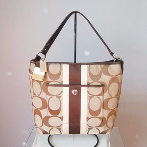 Coach 10055 Hamptons Weekend Tote Brown Logo